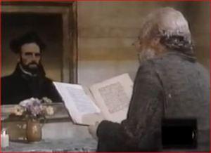 El padre Neri por fin lee el libro que le regalaron.